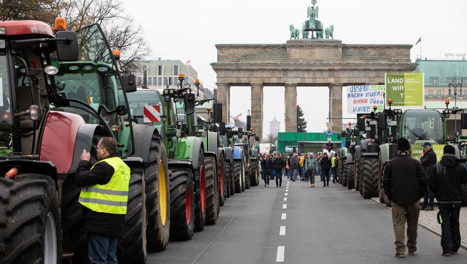 Trecker-Schlange vor dem Brandenburger Tor: Zweifel an Messstellen