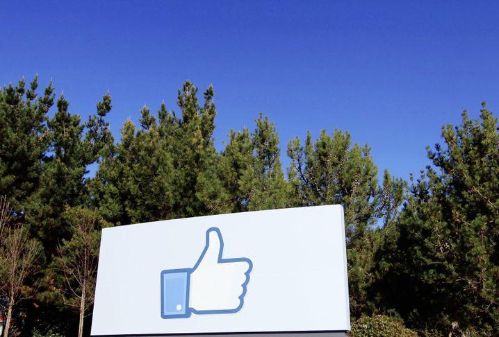 Gefiel dem Kunden gar nicht: Angestellte schimpfte auf Facebook über Firma