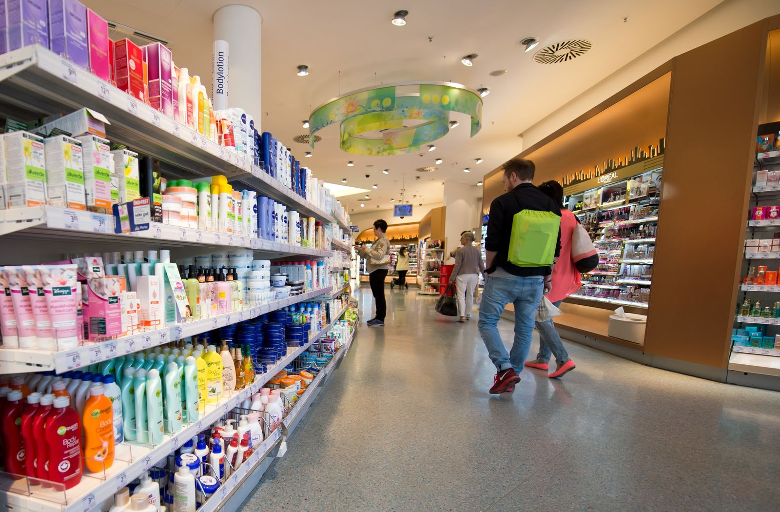 SPIEGEL Plus SPIEGEL 21/2017 S.104 Verborgene Kunststoffe in Kosmetika STARTBILD