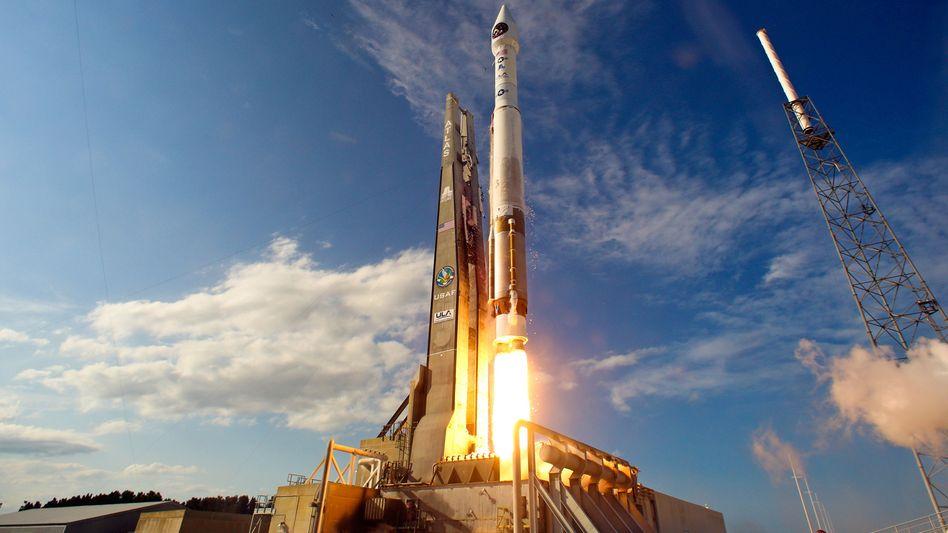 Start einer Atlas-V-Rakete mit Militärsatellit an Bord: Liefert Russland bald keine Triebwerke mehr?