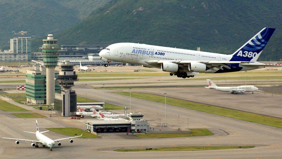 Airbus A380 am Flughafen Hongkong: Chinesen fürchten EU-Emissionspläne
