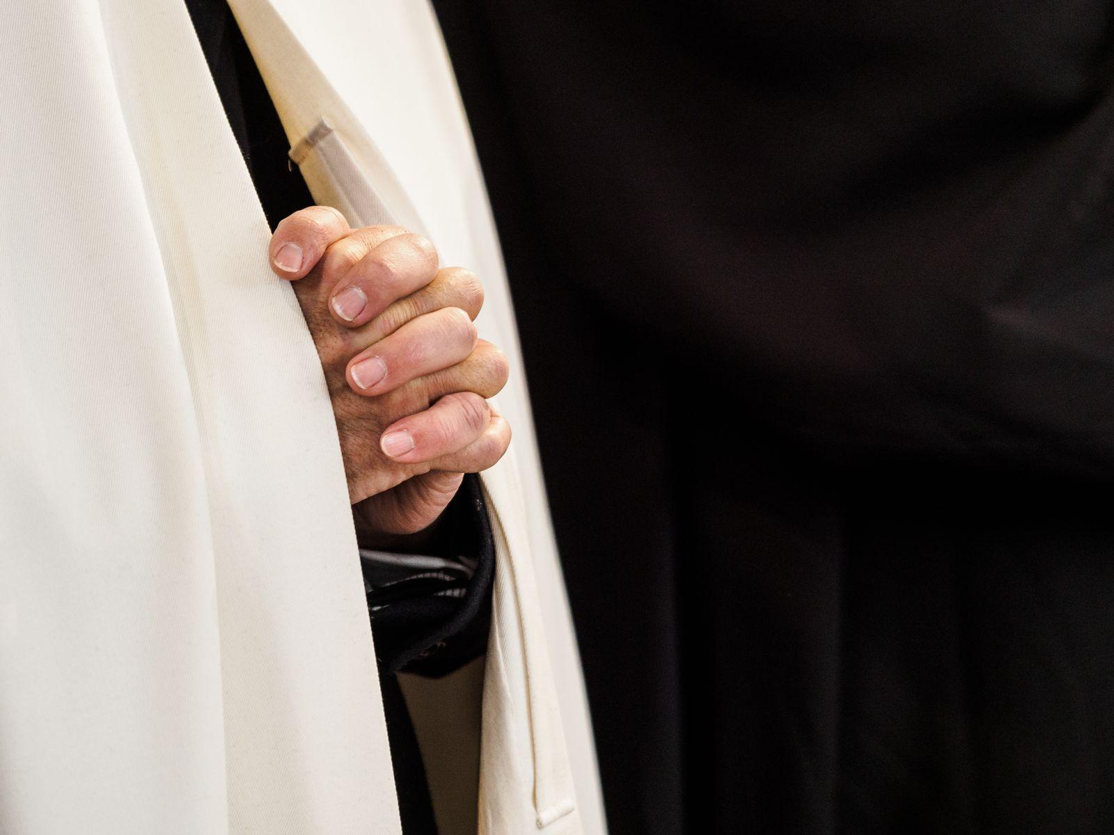 Symbolbild / Katholische Kirche / Missbrauch