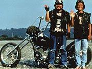 Humor auf japanisch: Zwei Biker machen für Masao ihre Späßchen