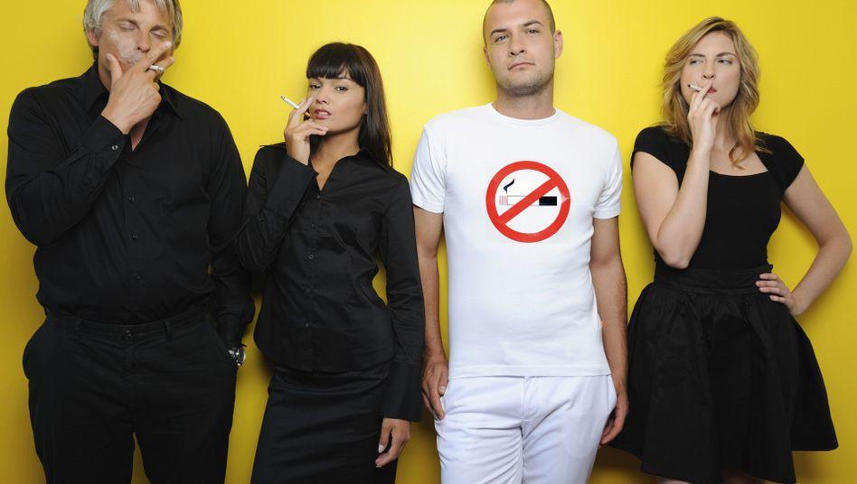 Junge Raucherinnen: Tabakprävention in den Schulen fortführen