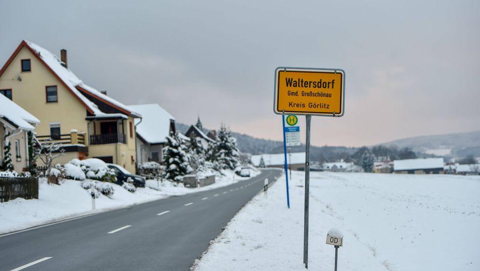 Ortseingang von Waltersdorf, dort hat Sachsens Regierungschef Kretschmer seinen Zweitwohnsitz