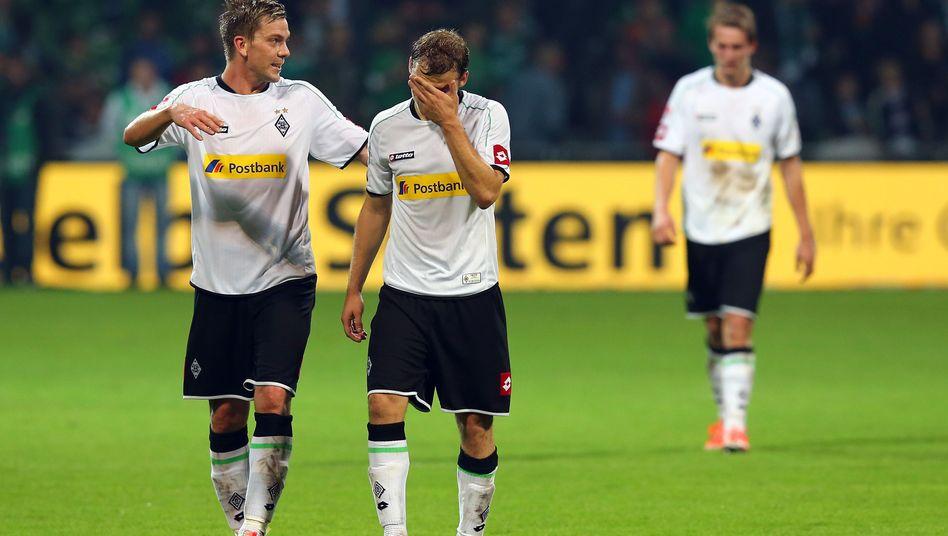 Gladbach-Profis Marx, Jantschke, de Jong (v.l.): 16 Gegentore in acht Bundesliga-Spielen