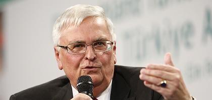 DFB-Präsident Zwanziger: Harsche Kommentare