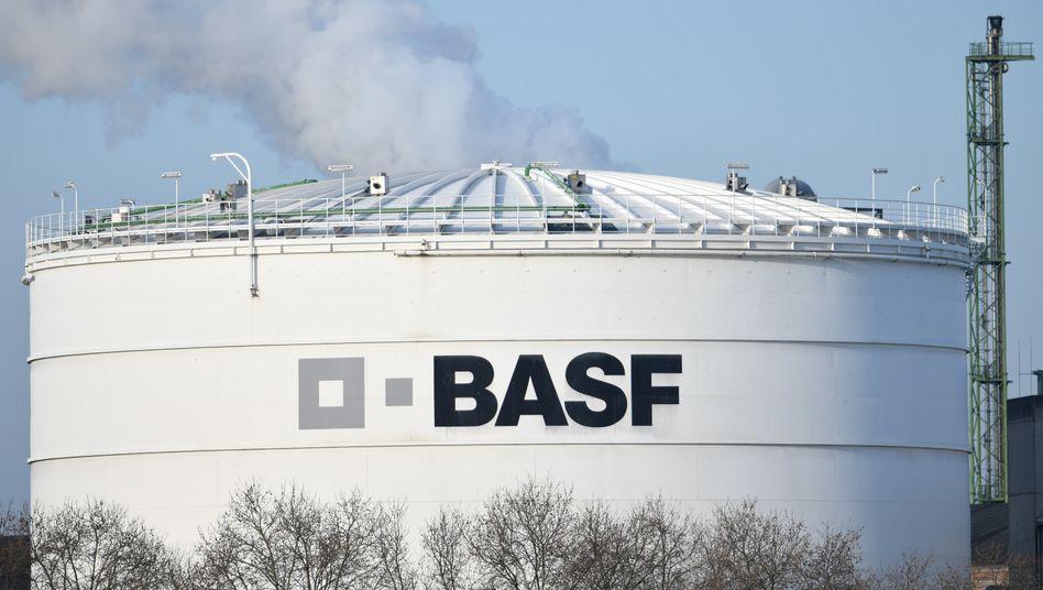 BASF-Anlage in Ludwigshafen: Der Konzern will trotz der Cornavirus-Epidemie seinen Umsatz steigern