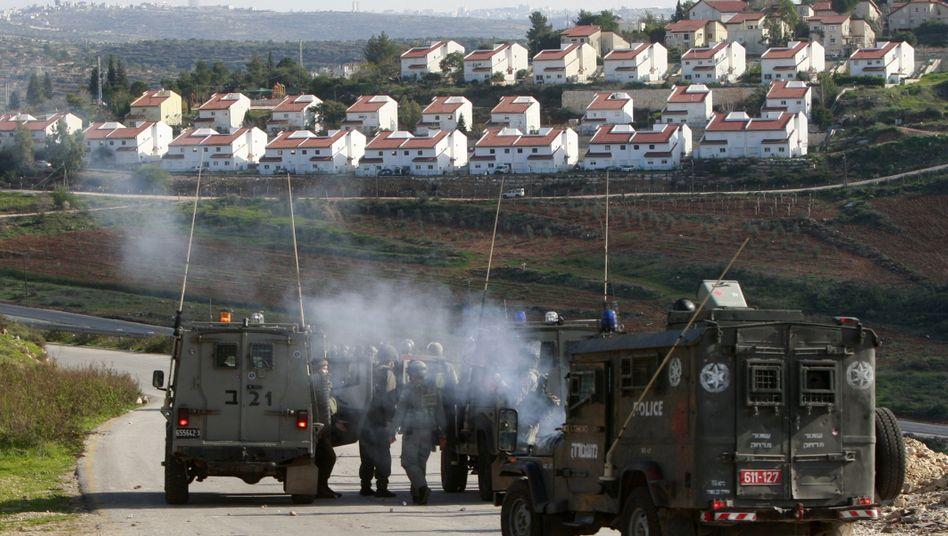 Israelische Soldaten in der Nähe von Siedlungen im Westjordanland (Symbolbild)