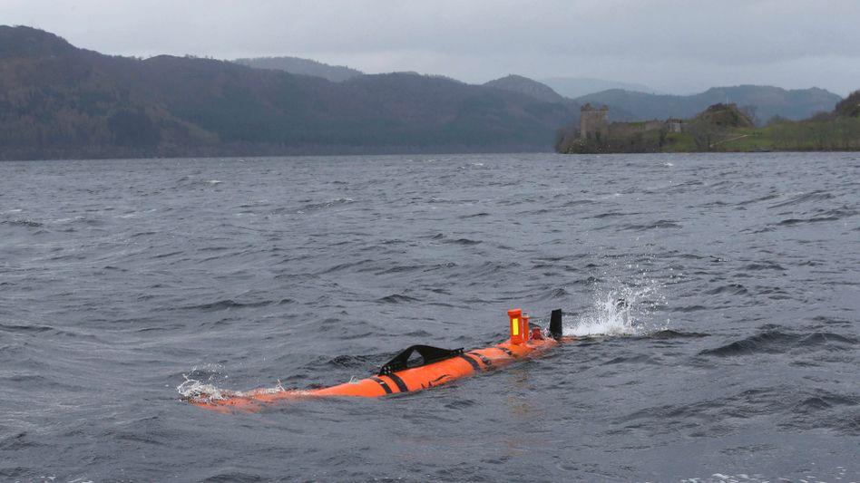 Erkundung im Loch Ness in Schottland am 13. April 2016