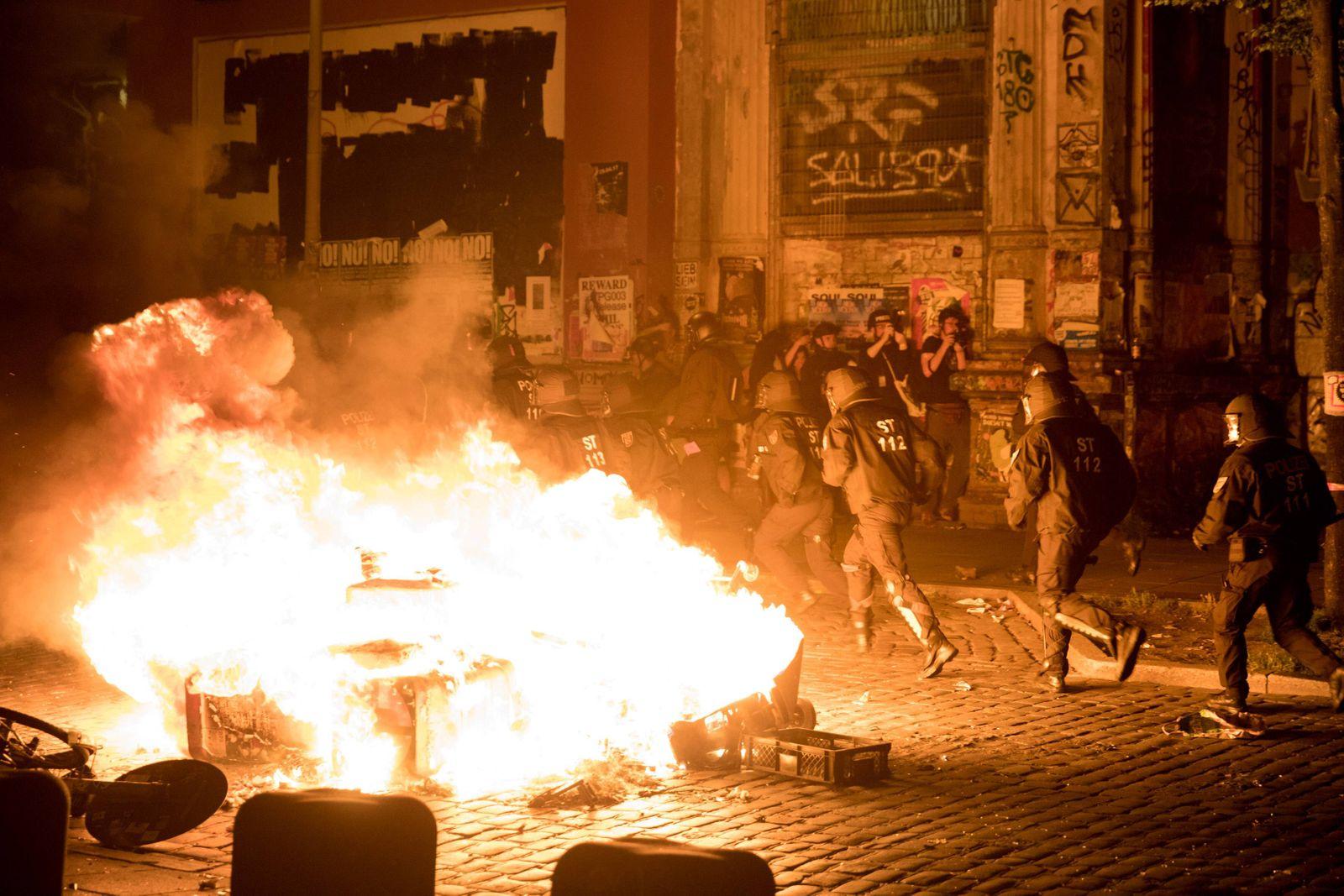 G20 Welcome2Hell Die Demonstration Welcome2Hell gegen den G20 Gipfel 2017 in Hamburg wird nach weni