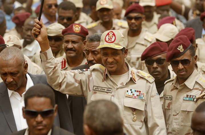 Mohamed Hamdan Dagalo, genannt Hemedti, der neue starke Mann des Sudan und skrupelloser Milizenchef