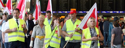 Streikende Lufthansa-Mitarbeiter (am Dienstag auf dem Flughafen von Frankfurt am Main):