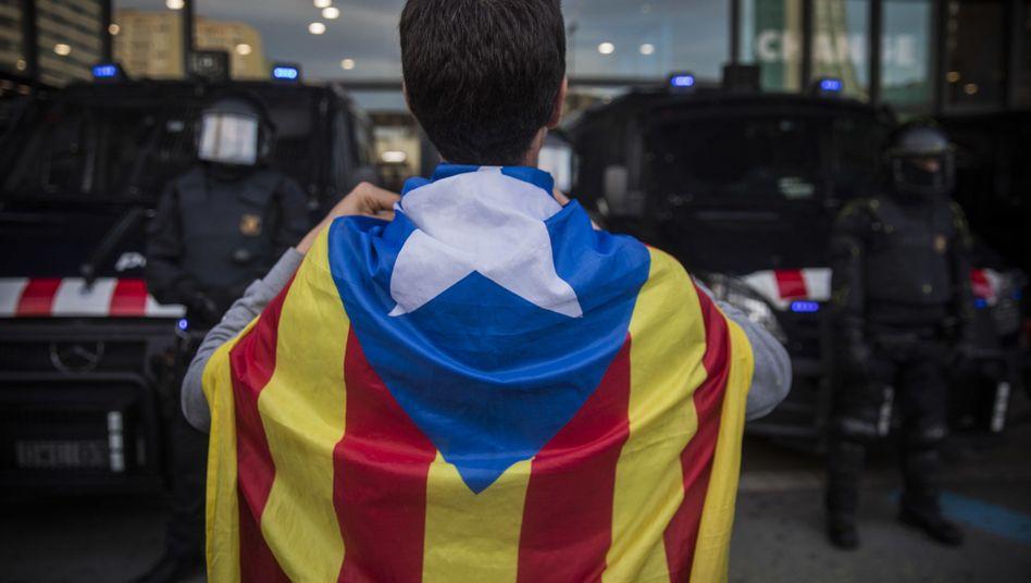 Katalanisch oder spanisch: Demonstrant in Barcelona