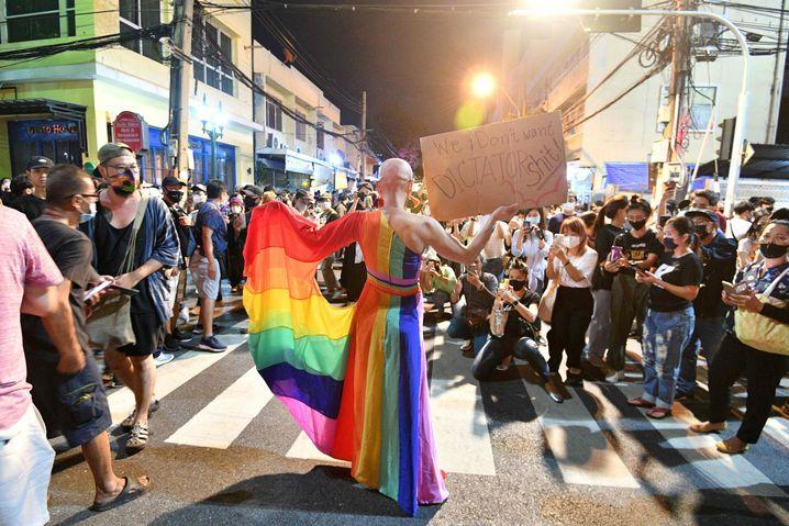 """Szene des Protests in Bangkok: """"Der Ausgang ist offen"""""""