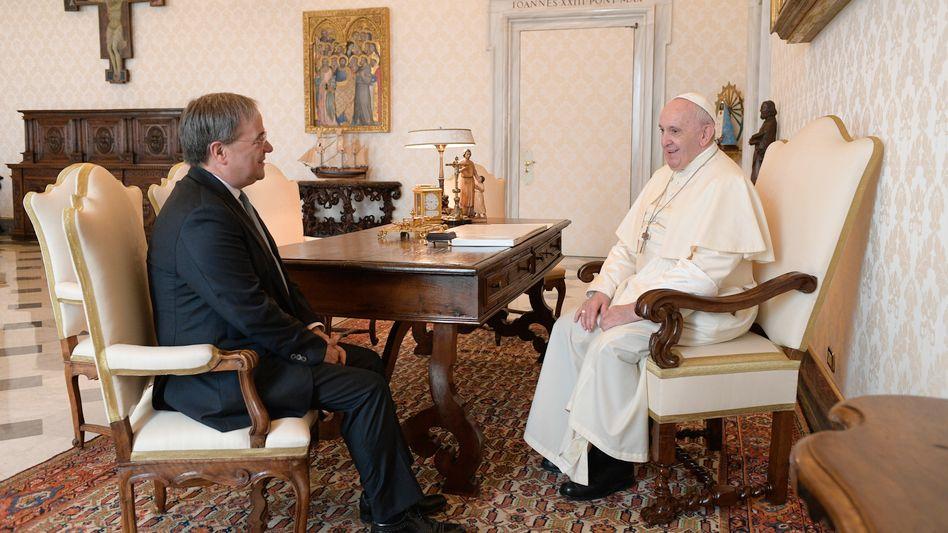 Ministerpräsident Laschet, Papst Franziskus 2020: Der Kanzlerkandidat ist tief verwurzelt in der katholischen Kirche