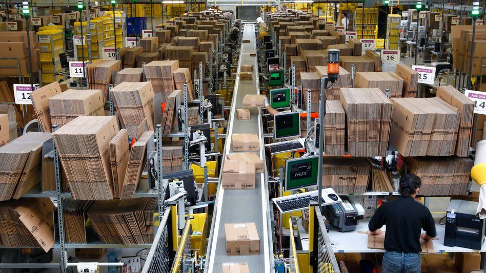 Paketsortierung im Amazon-Logistik-Zentrum Graben: Aufkommen deutlich gestiegen