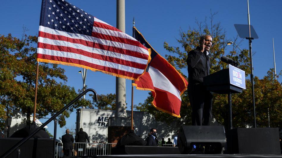 Wahlkampf für Harris, Biden und die Demokraten: Barack Obama mobilisiert Wähler in Atlanta, Georgia