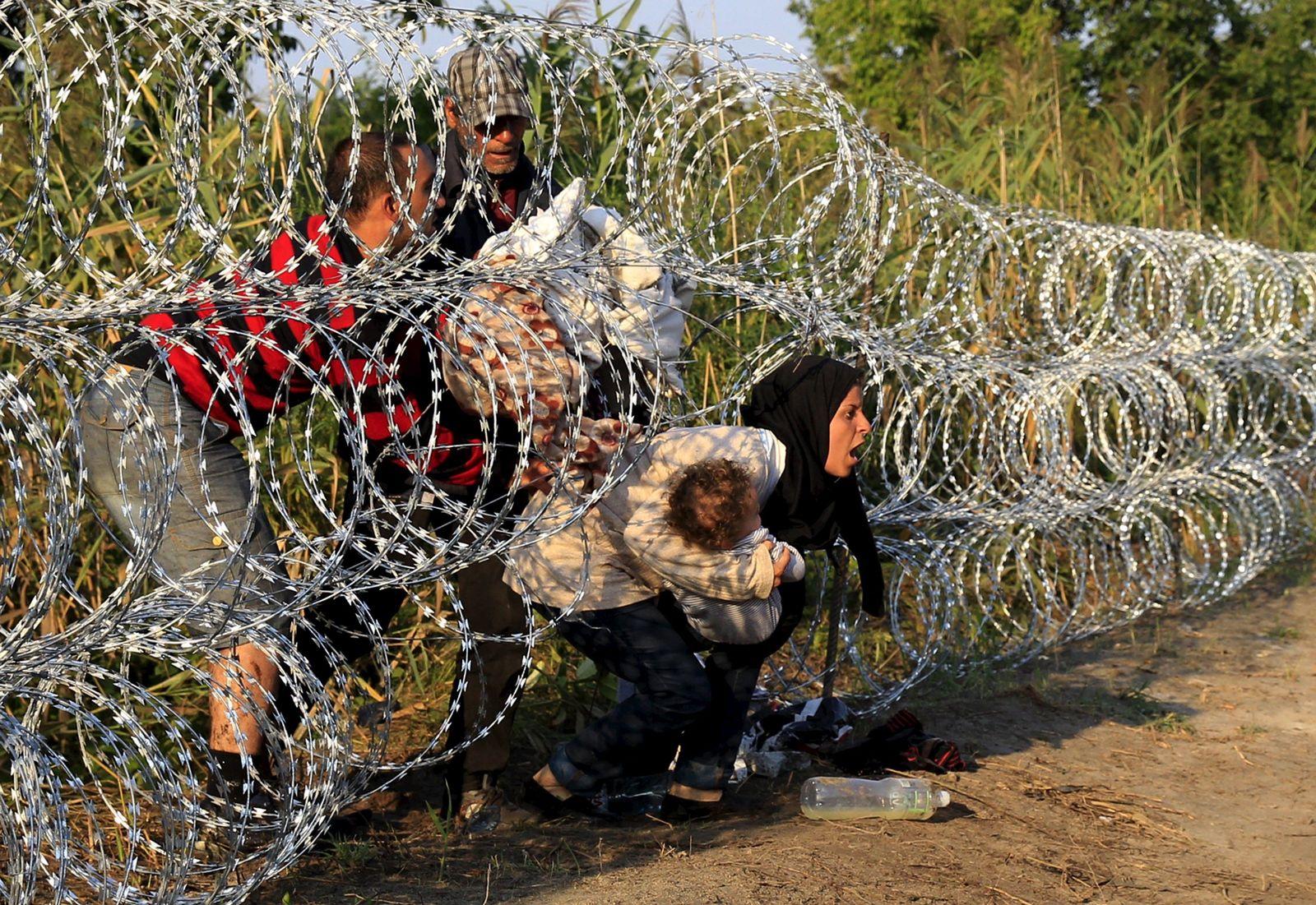 Flüchtlinge / Ungarn / Stacheldraht