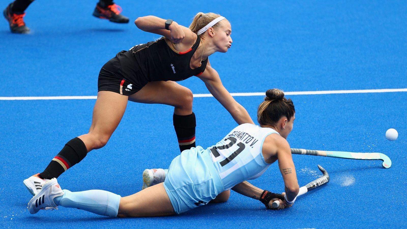 Hockey - Women - Quarterfinal - Germany v Argentina