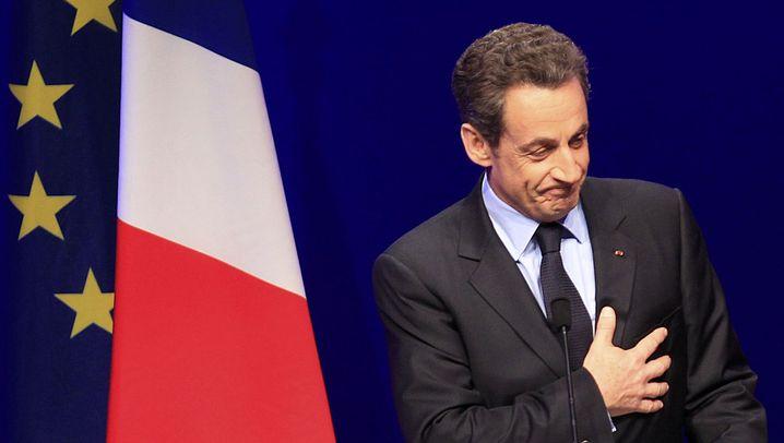 Photo Gallery: Hollande Wins First Round