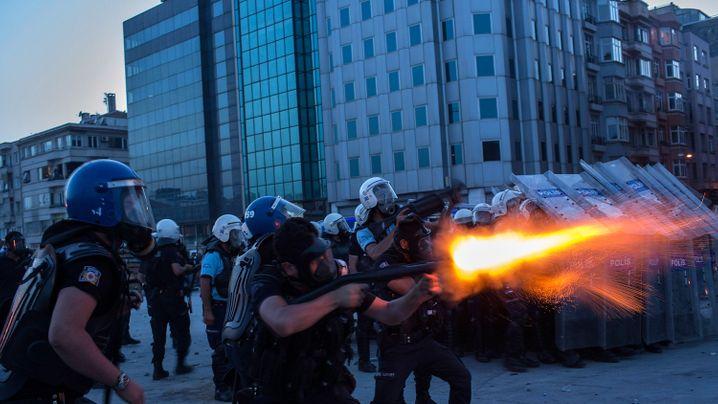Istanbul: Die Polizei räumt den Gezi-Park