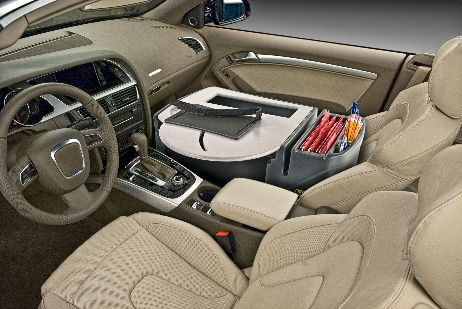 Büro im Auto