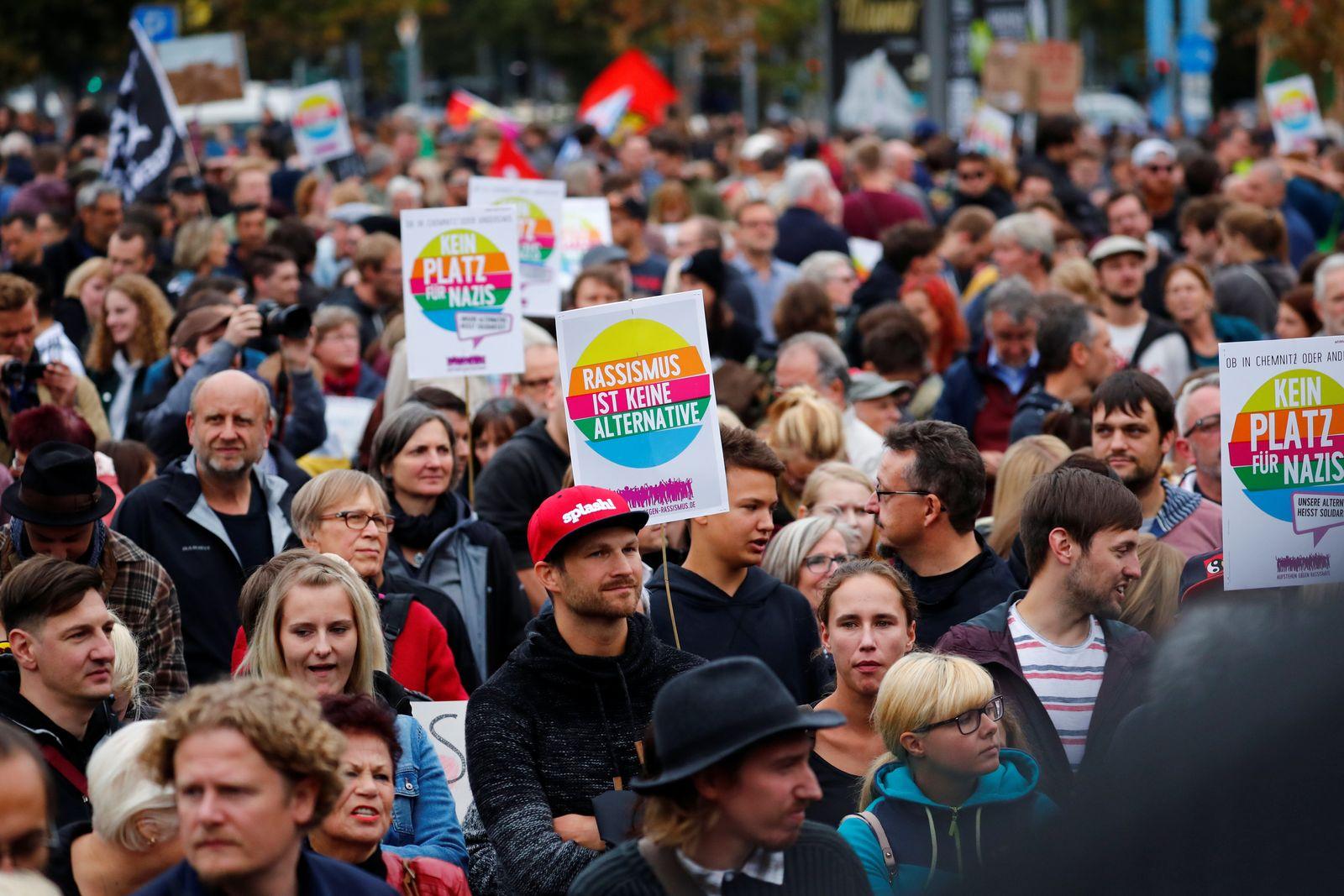 Chemnitz/ heute Herz statt Hetze Demo