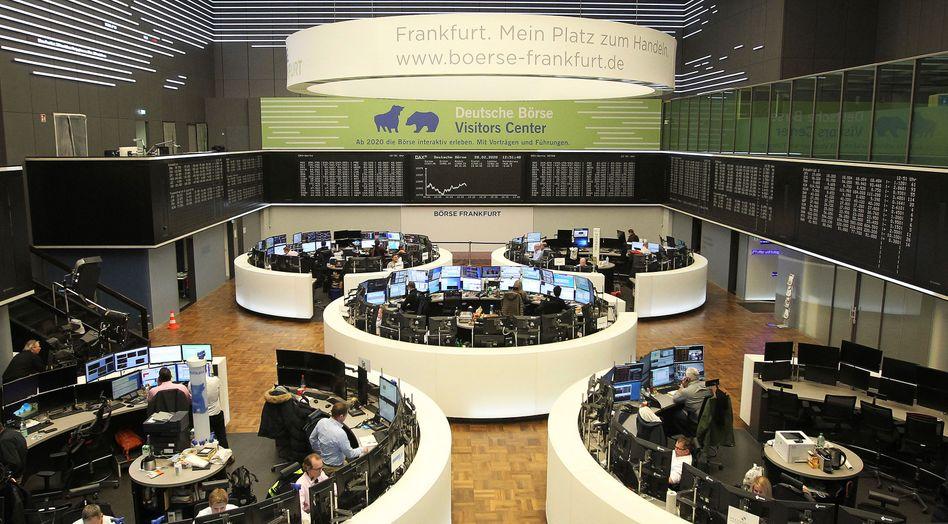 Frankfurter Parkett: Sind die Börsenmäntel ein Zeichen für einen überhitzten Markt – oder eine Chance für junge Firmen?