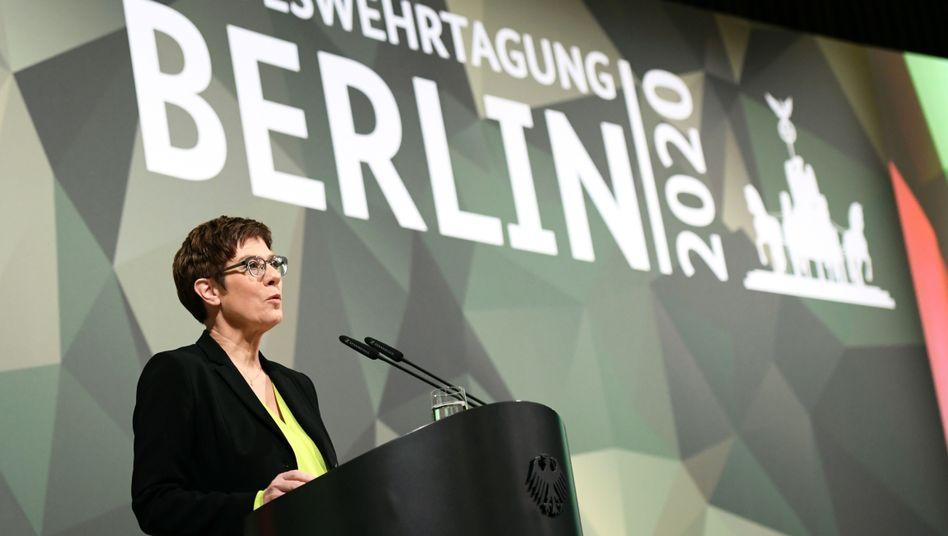 Kramp-Karrenbauer auf der Bundeswehrtagung