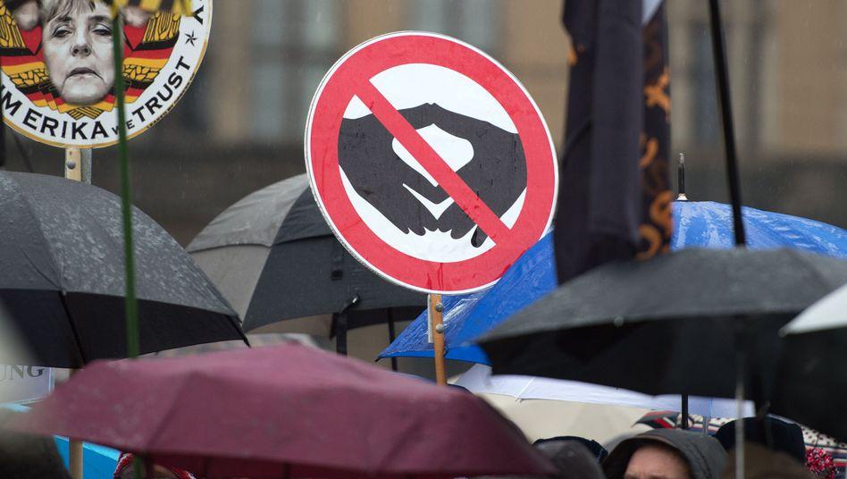 Anhänger der islamfeindlichen Pegida-Bewegung in Dresden