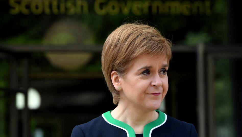 """Schottlands Regierungschefin Sturgeon: Eigentlich sei gerade eine Zeit, in der """"100 Prozent unserer Zeit und Energie"""" gebraucht würden, um die Pandemie einzudämmen"""