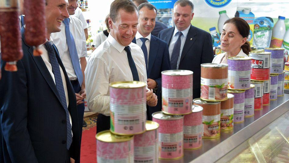 Regierungschef Medwedew: Importverbot ausgeweitet