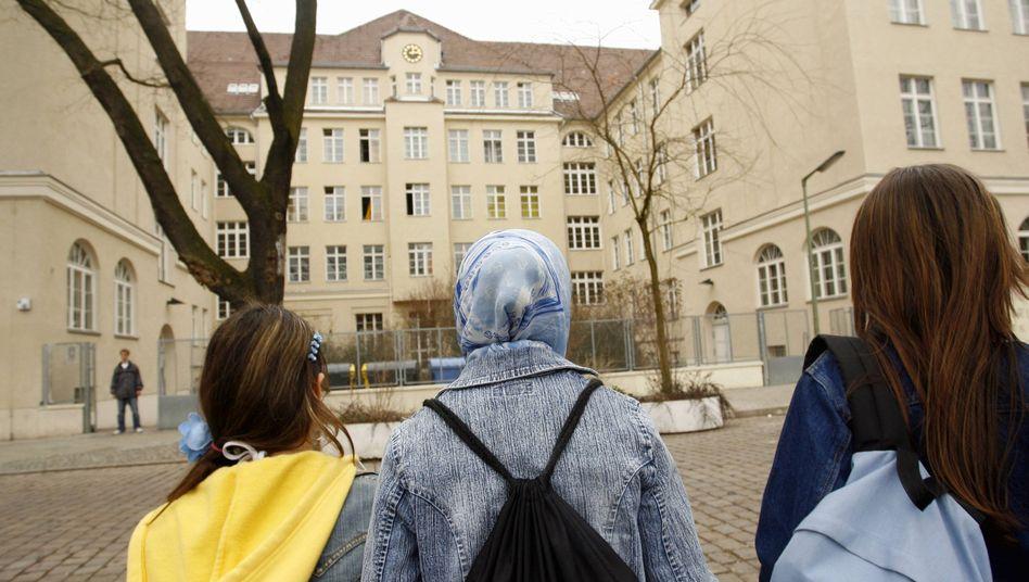 Schülerinnen an der Rütli-Schule: Hier hatte die Methode Brandbrief Erfolg