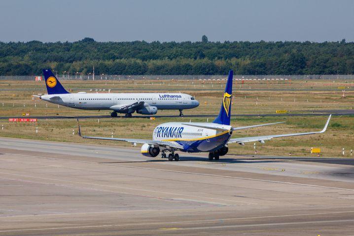 Maschinen von Ryanair und Lufthansa in Berlin (Archivbild)