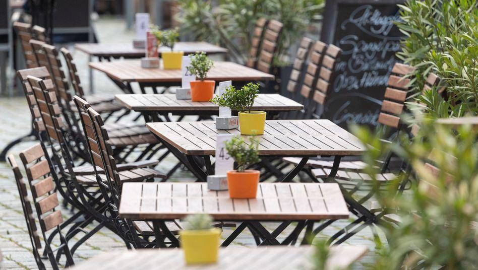 """Leere Restauranttische in Dresden: """"Lage in vielen Städten katastrophal"""""""