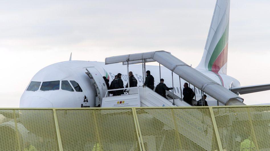 Abgelehnte Asylbewerber am Baden-Airport in Rheinmünster