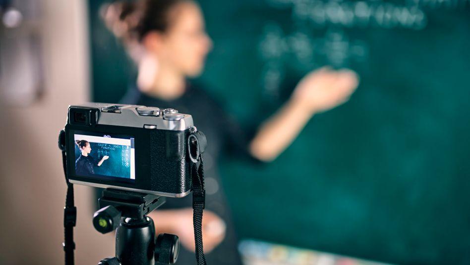 Virtuelles Klassenzimmer (Symbolbild): »Keiner von uns wurde im Studium auf diese Art von Unterrichten vorbereitet«