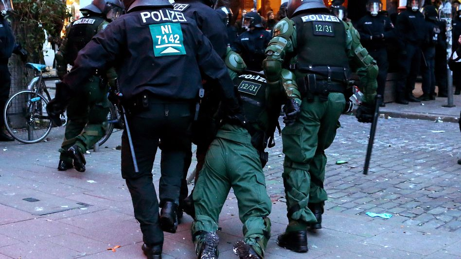 Rote-Flora-Proteste: 120 Polizisten in Hamburg bei Straßenschlachten verletzt