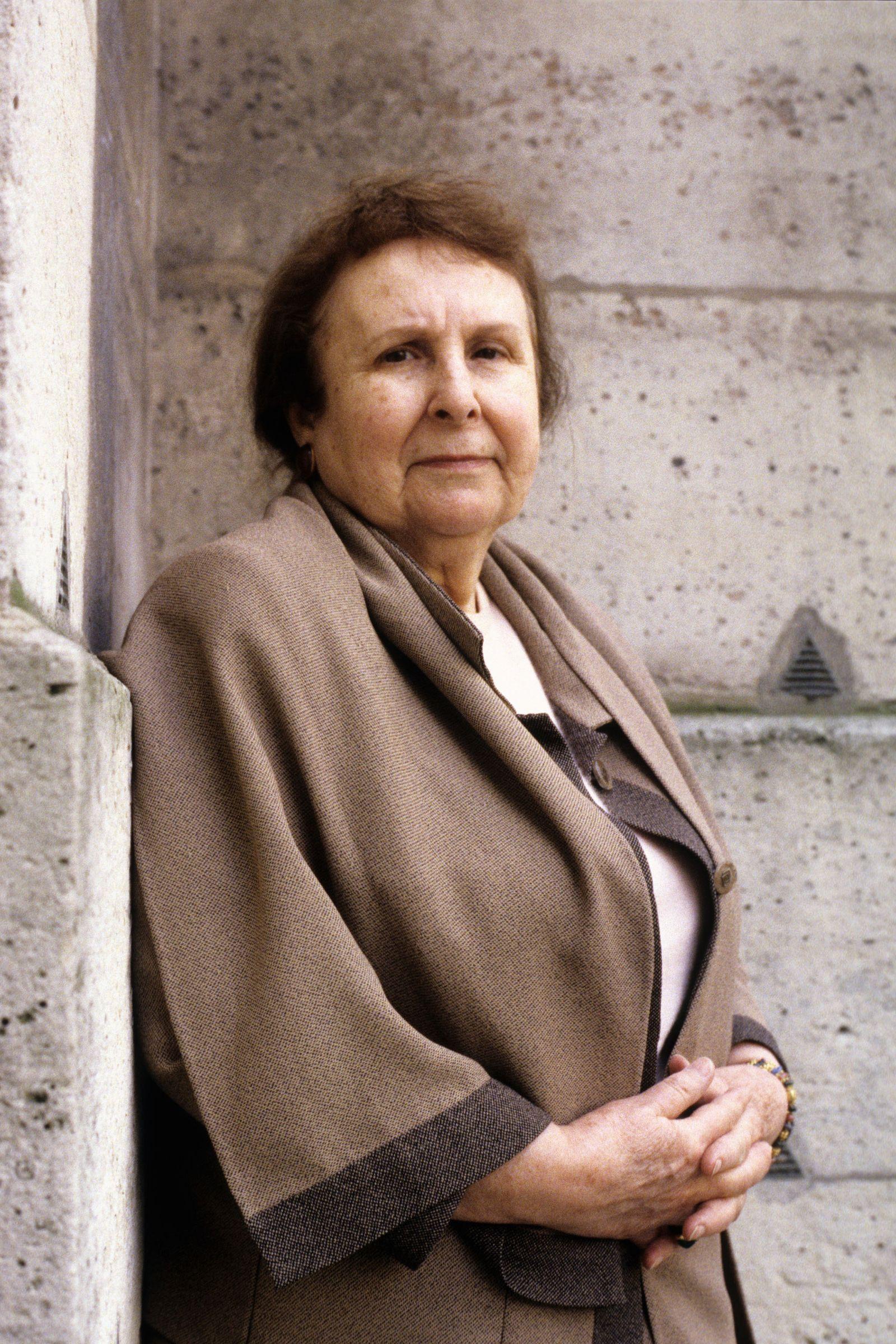 EINMALIGE VERWENDUNG Agustina Bessa-Luís