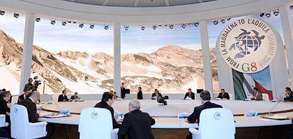 G-8-Gipfel in L'Aquila: Einigung über Zwei-Grad-Ziel, aber keine Verständigung über konkrete CO2-Reduktionen