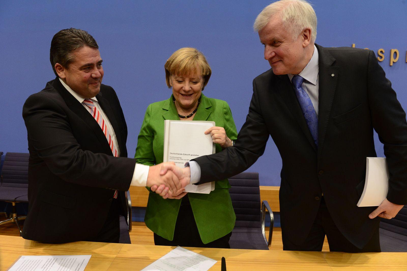 TOPSHOTS-GERMANY-POLITICS-COALITION