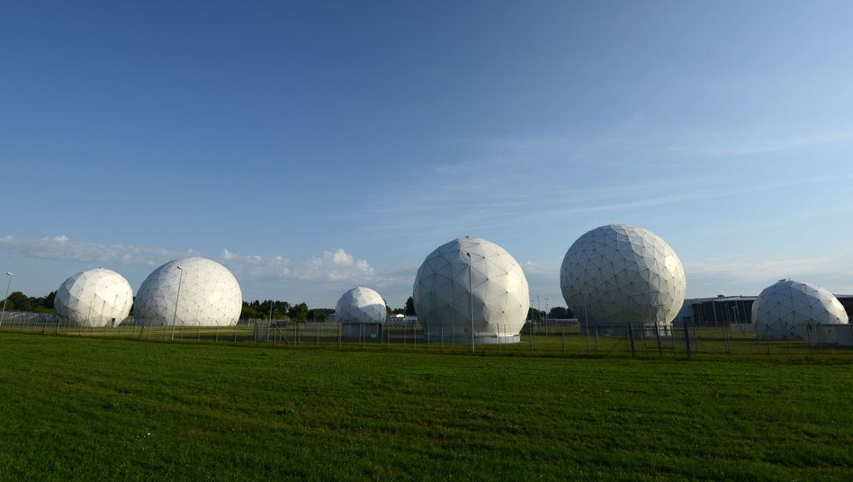 German intelligence cooperates closely with the NSA in Bad Aibling.