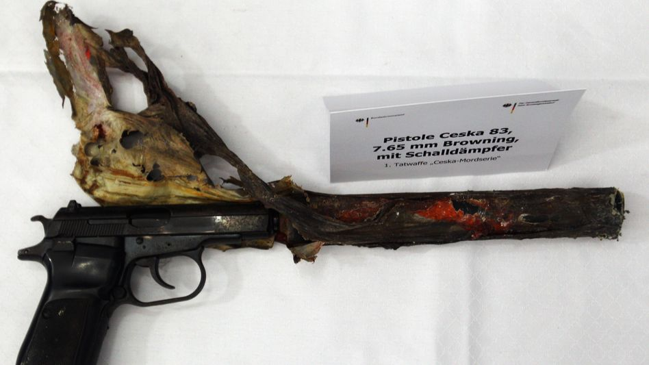 Tatwaffe Ceska 83: Legal erworben, dann in illegale Kreise geschleust