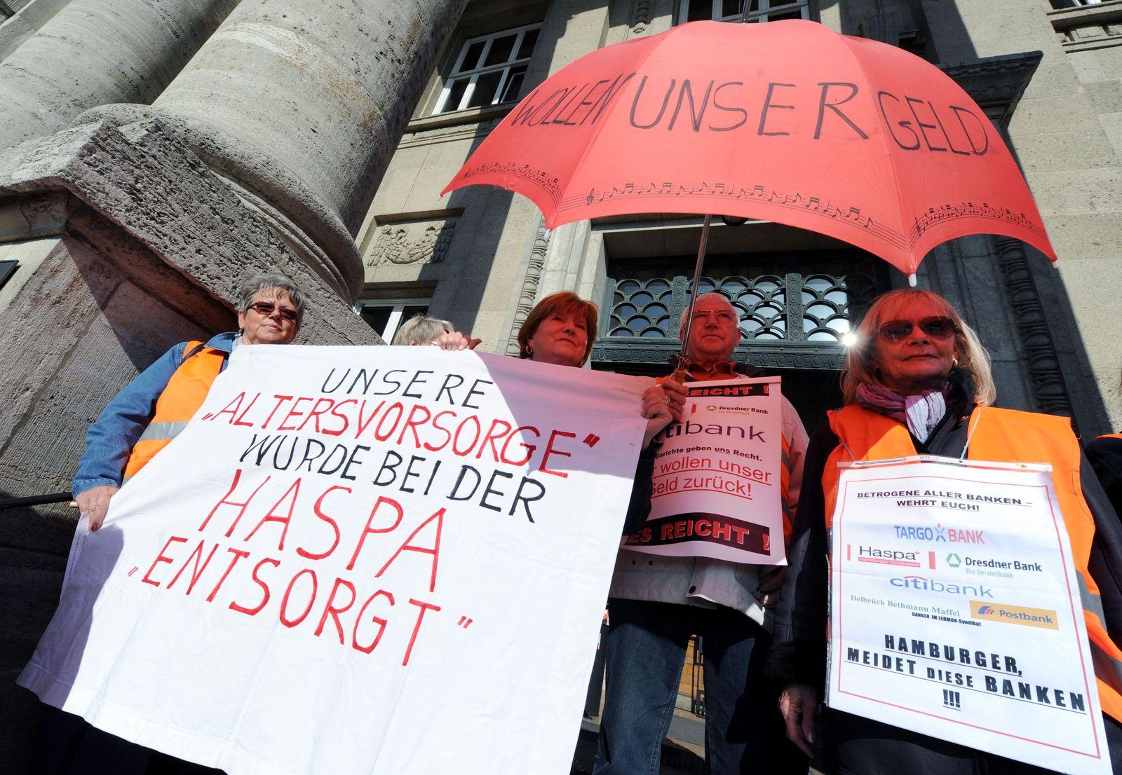 proteste vor dem oberlandesgericht