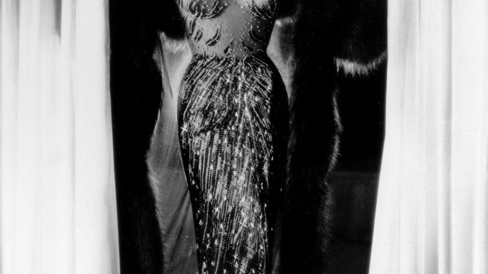 Marlene Dietrichs letztes Kleid: Hauchdünn erleuchtet
