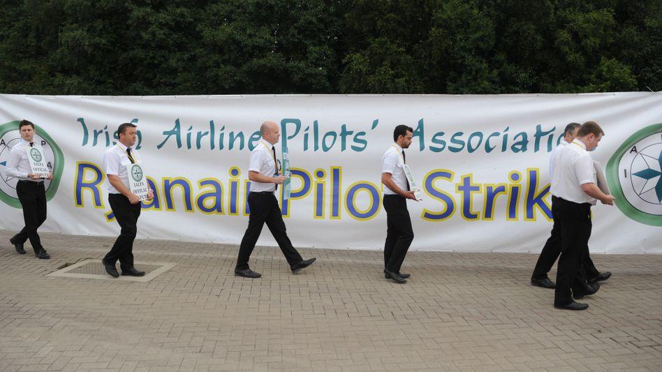 Ryanair-Piloten beim Streik in Dublin
