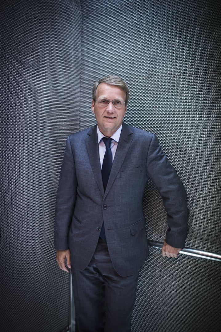 Bahn-Lobbyist Ronald Pofalla, einst enger Vertrauter von Angela Merkel, hat längst die Seiten gewechselt