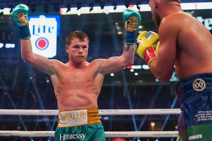 Jubel im Ring: »Canelo« bemerkte sofort, dass er seinen Gegner verletzt hatte