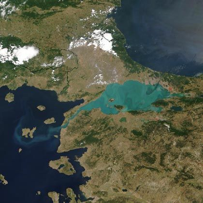 Bosporus: Schmelzende Eismassen ließen Schwarzes Meer anschwellen